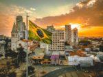 「コロナ軽視」のブラジル大統領。ボルソナロ氏とはどんな人物なのか?